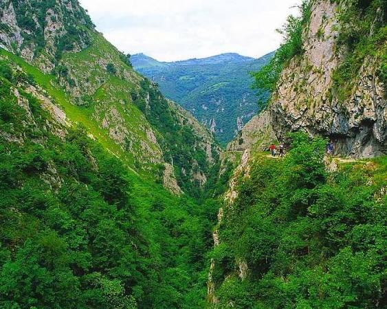 La Ruta del Desfiladero de las Xanas, en Asturias