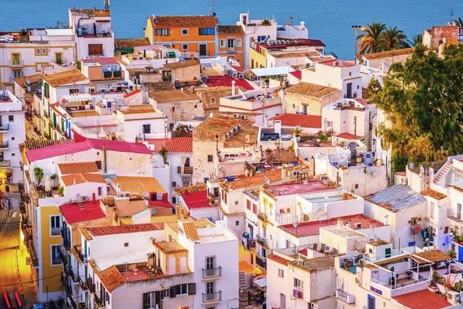 Novelas para viajar a Ibiza
