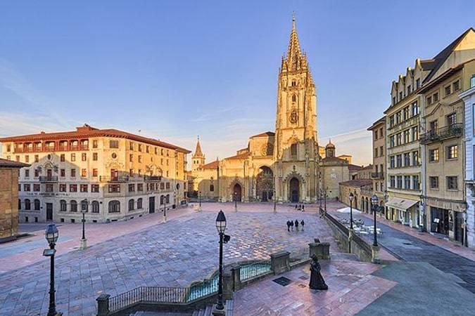 Novelas para viajar a Oviedo
