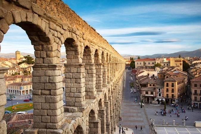 Novelas para viajar a Segovia