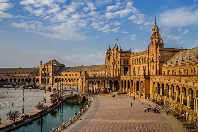 Novelas para viajar a Sevilla