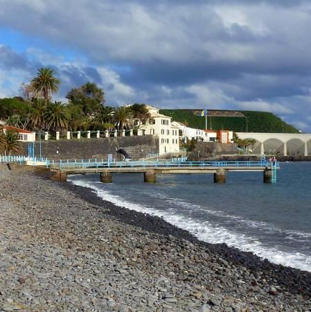 Santa Cruz, sol y playas en la isla portuguesa de Madeira