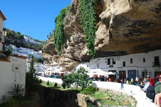 El peculiar pueblo de Setenil de las Bodegas, en Cádiz