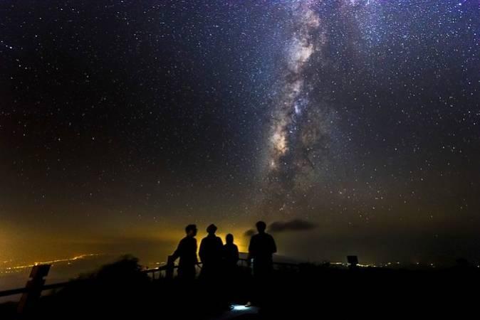 Observar las estrellas en la Sierra de Gredos, en Ávila