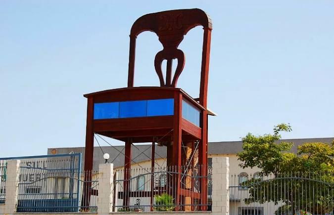 La silla gigante de Lucena, en Córdoba