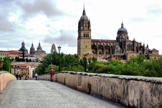 Sobrevive al entretiempo en la Semana Santa de Salamanca