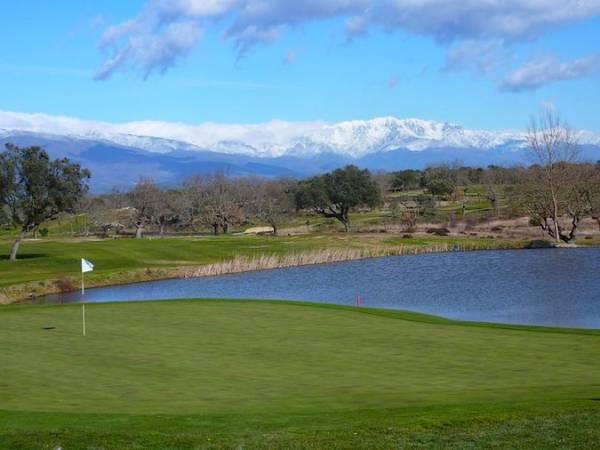 Talayuela: golf y senderismo en Cáceres