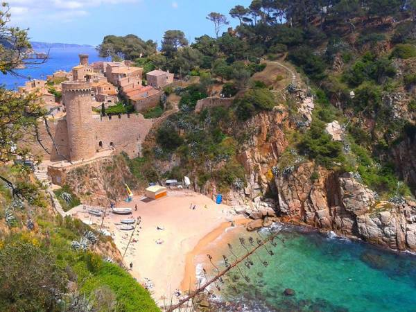 La Cala Llevadó, en Tossa de Mar, Girona