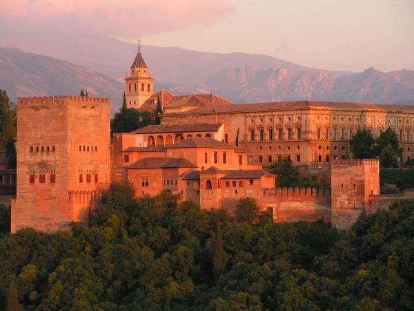 Los tres hoteles más recomendados para San Valentín en Granada