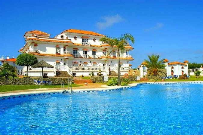 Hotel Diufain, en Conil de la Frontera, Cádiz