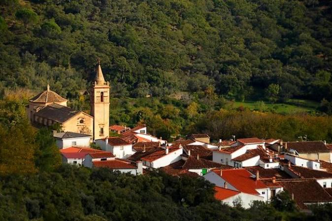 Linares de la Sierra, la belleza del interior de Huelva
