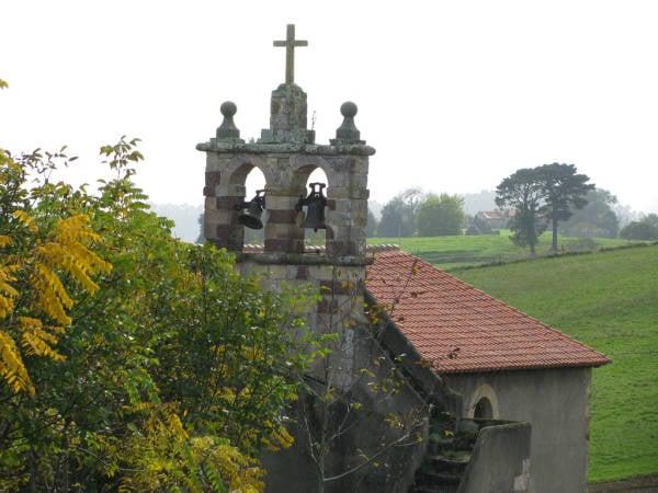 Iglesia de Santa María, en El Tejo, Valdáliga