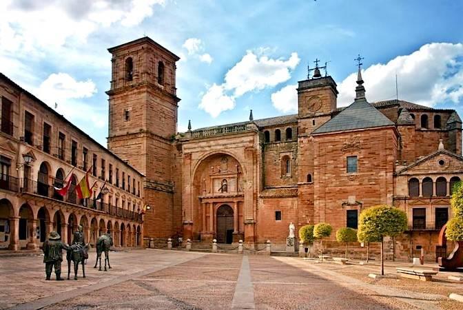 Villanueva de los Infantes, destino singular en Ciudad Real