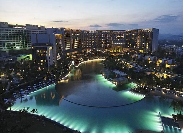 Un hotel con océano privado