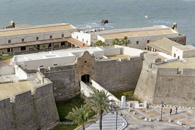 Una fortaleza en la costa de Cádiz: Castillo de Santa Catalina