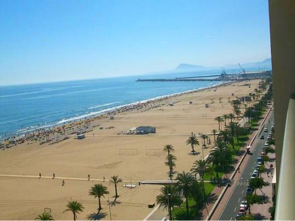 Gandía, la playa de Madrid en Valencia