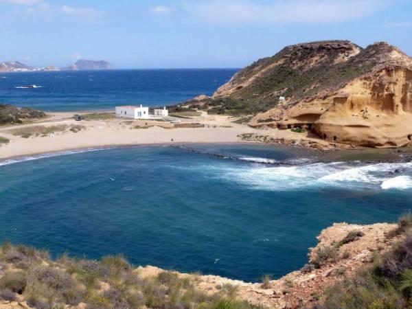 Playa Los Cocederos, en San Juan de los Terreros